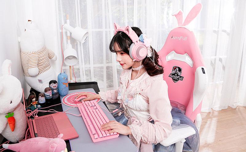 kawaii gaming chair in pink